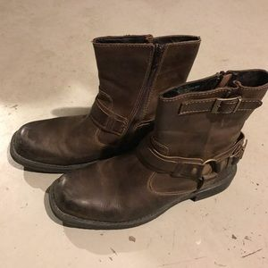 Other - Men's brown leather zip boots